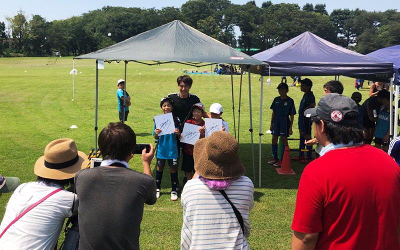 元プロサッカー選手 水内 猛氏によるサッカー教室